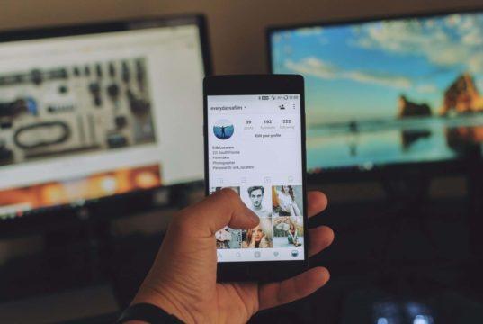 hide activity status on instagram